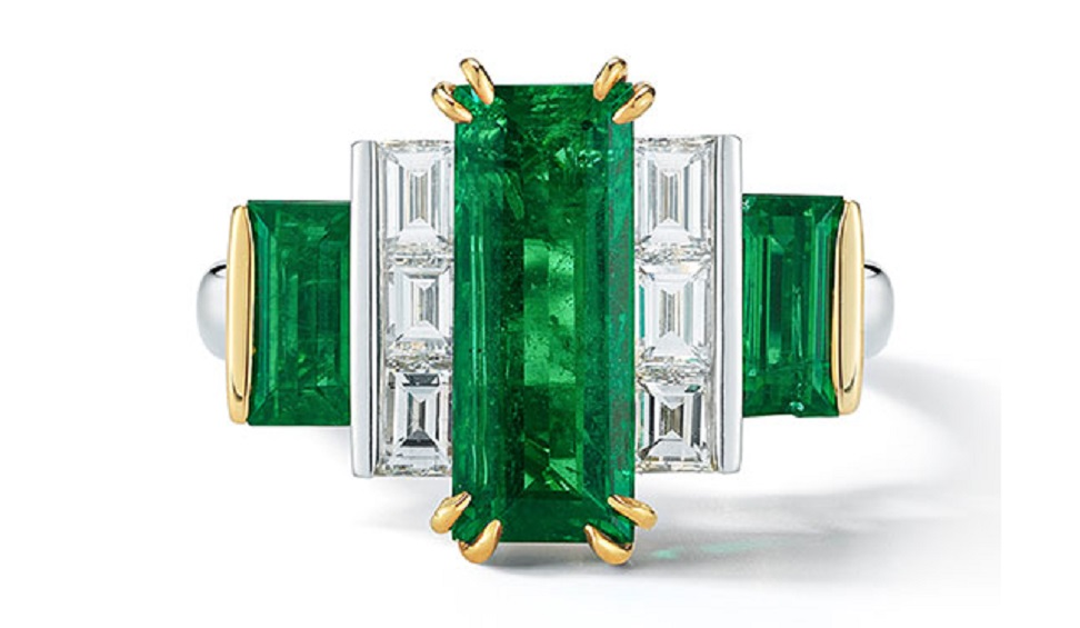 An Exquisite Baguette-cut Emerald and Diamond Ring